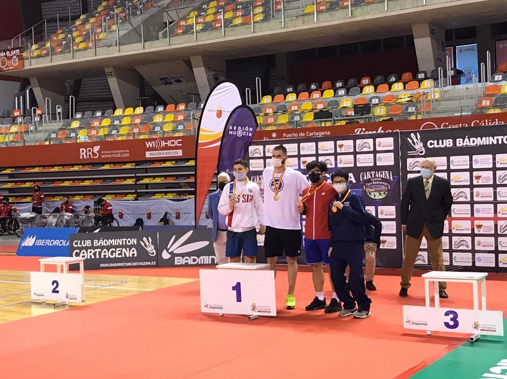 5 серебряных и 5 бронзовых медалей завоевала сборная России по парабадминтону