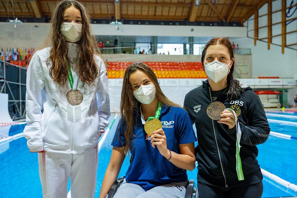 Сборная команда России по плаванию завоевала 19 золотых медалей на открытом чемпионате Европы по плаванию